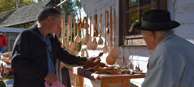 Michalský jarmok Múzeum slovenskej dediny - OZ Jahodnícke háje