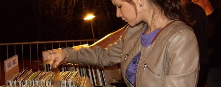 Burza LP platní v Nitre Antikvariát Zrkadlo